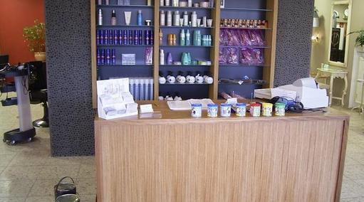 Kundentresen in Eiche geölt mit Verkaufsregal