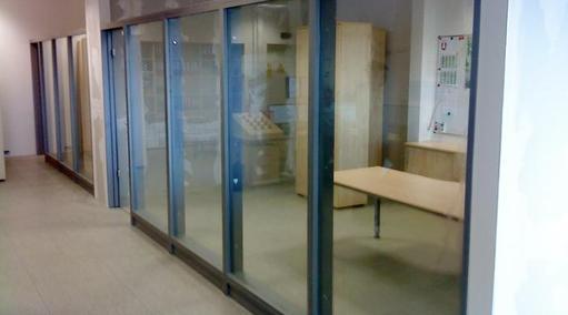 Glastrennwände-Raumabschluß