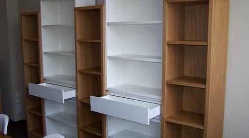 Bücher-Aktenregal